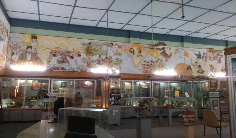 আর এস এস সদর দপ্তরে 'কামান দাগা'